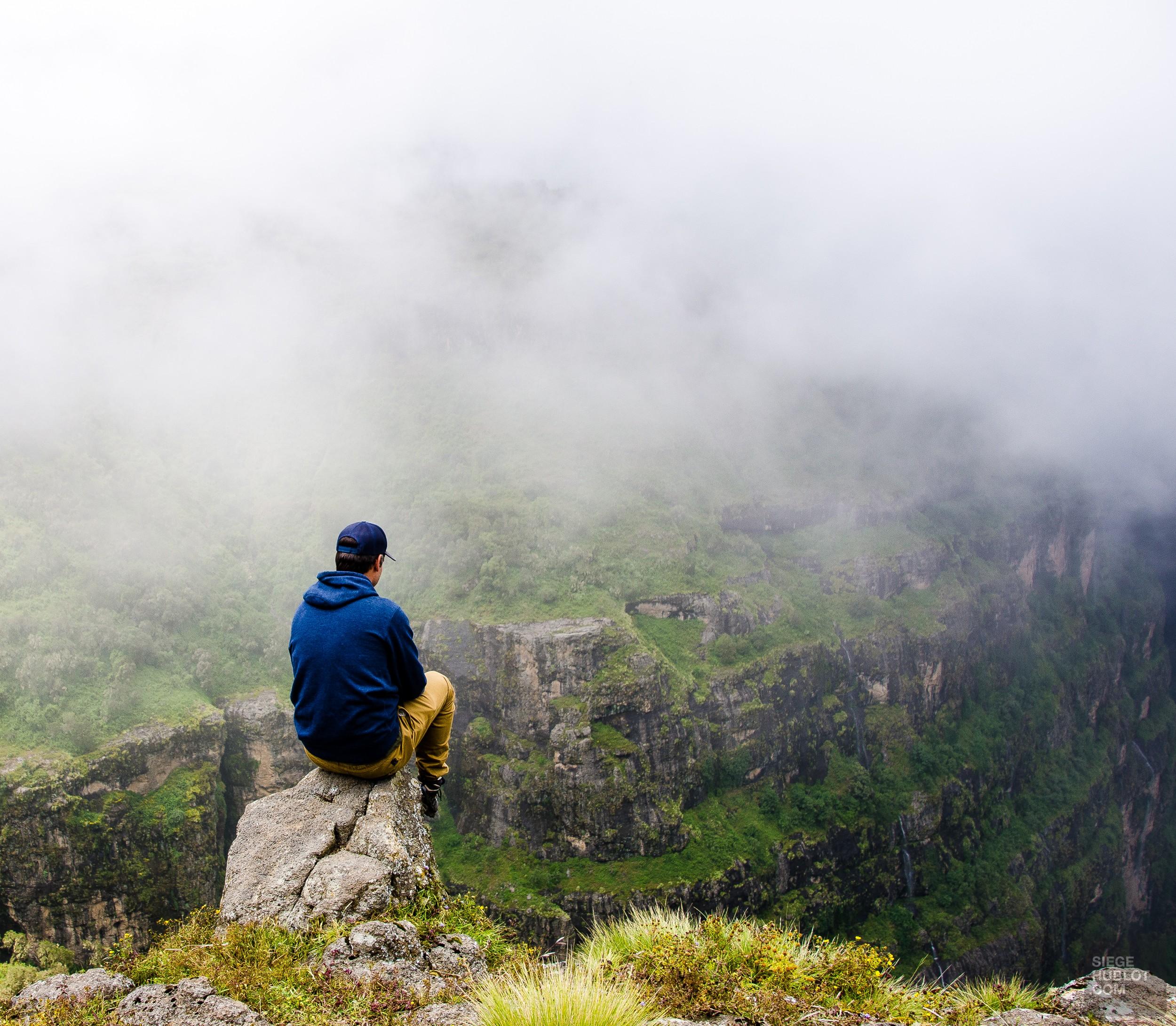 montagne panorama brume - des babouins dans les nuages monts simien ethiopie - Des babouins dans les nuages Monts Simien Ethiopie - afrique, ethiopie