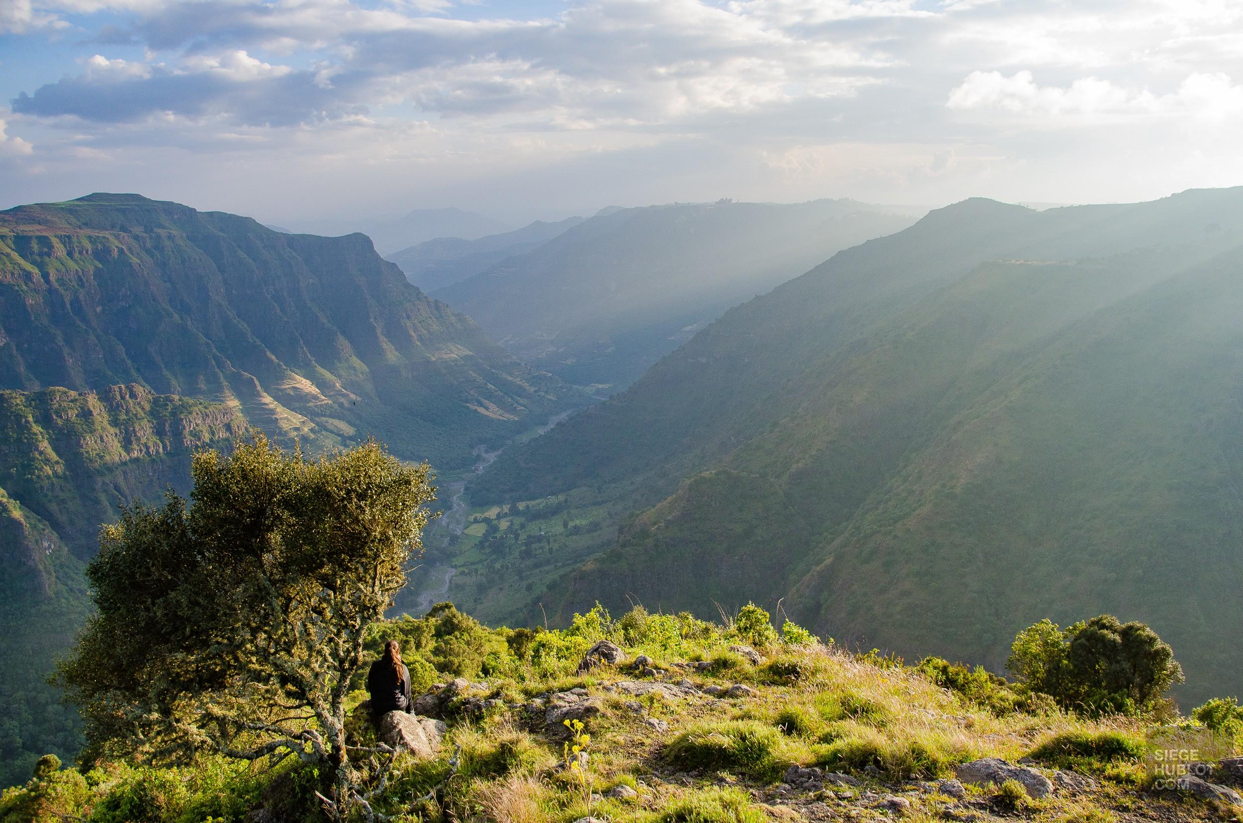 montagne repos panorama - des babouins dans les nuages monts simien ethiopie - Des babouins dans les nuages Monts Simien Ethiopie - afrique, ethiopie
