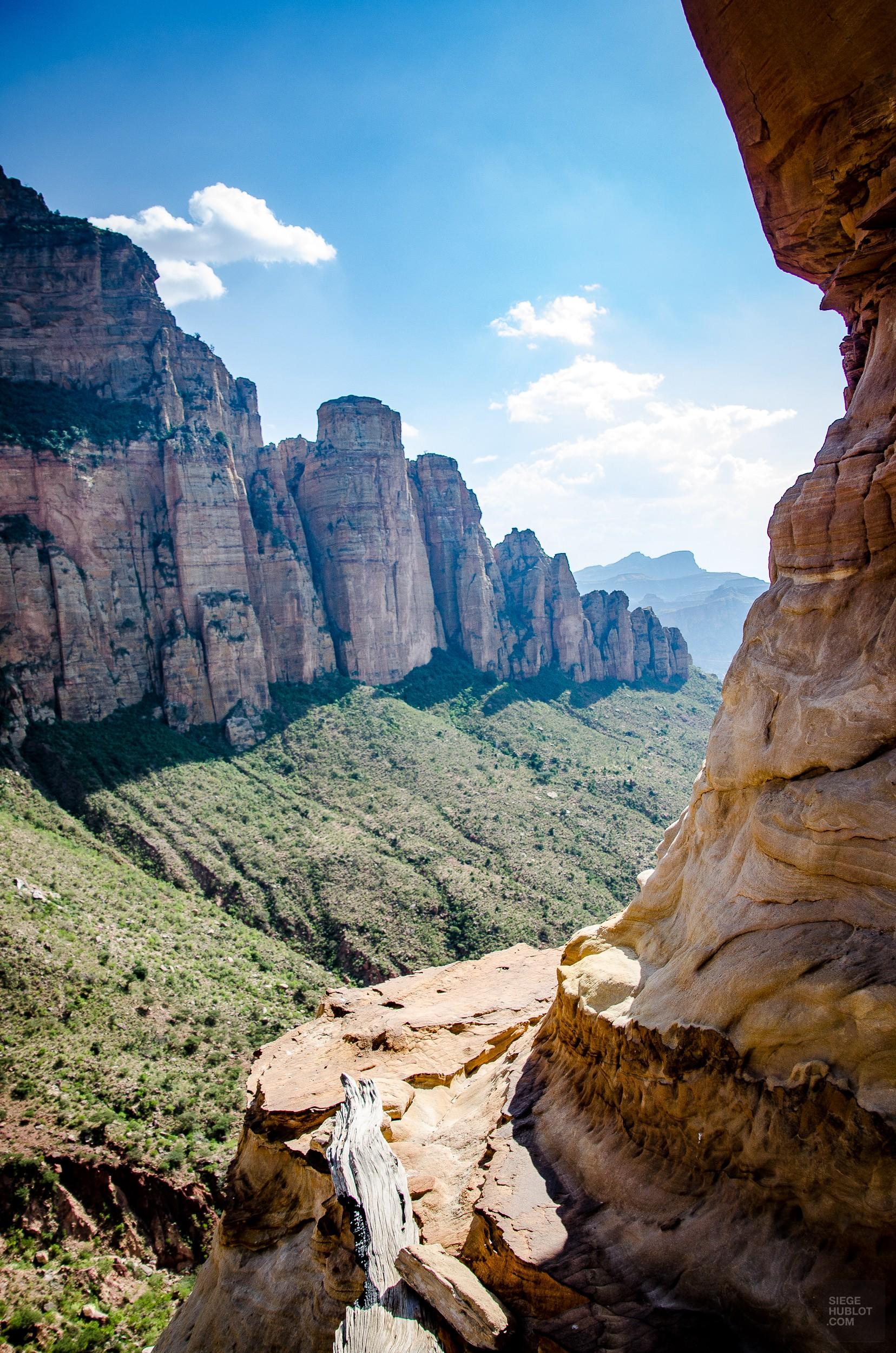 vue falaise - Des eglise uniques au monde, ethiopie - afrique, ethiopie